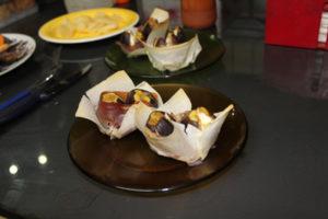 higos-con-jamon-y-queso-en-pasta-wonton